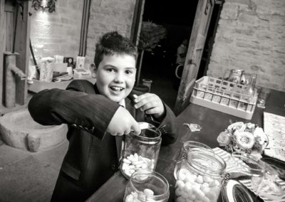 pageboy-eating-sweets