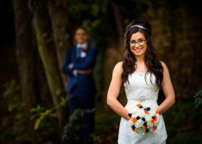bride-at-hunsburry-hill-center