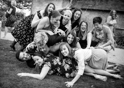 girls-bunderling-groom